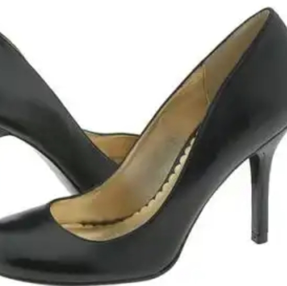 Jessica Simpson Henri round toe pump